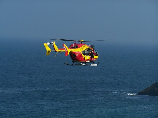helicoptere protection civile finistere