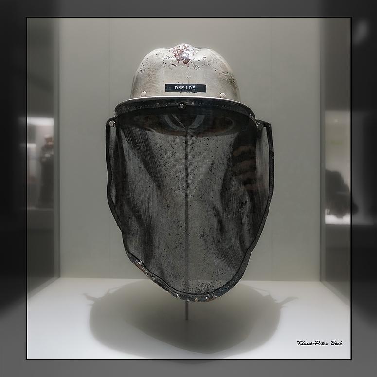Helm mit Hitzeschild