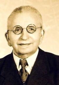 Helmut Adam