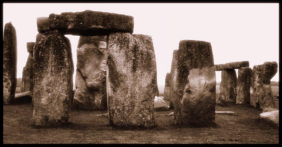 Henge-Monument zur Zeit bajuwarischer Entdeckung anno MCMLXXIX