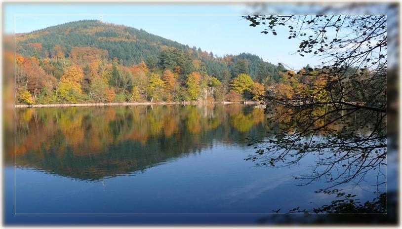 Herbst am Bergsee