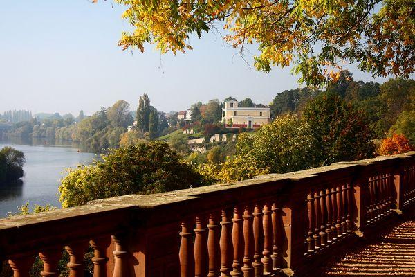 Herbst am Schloß