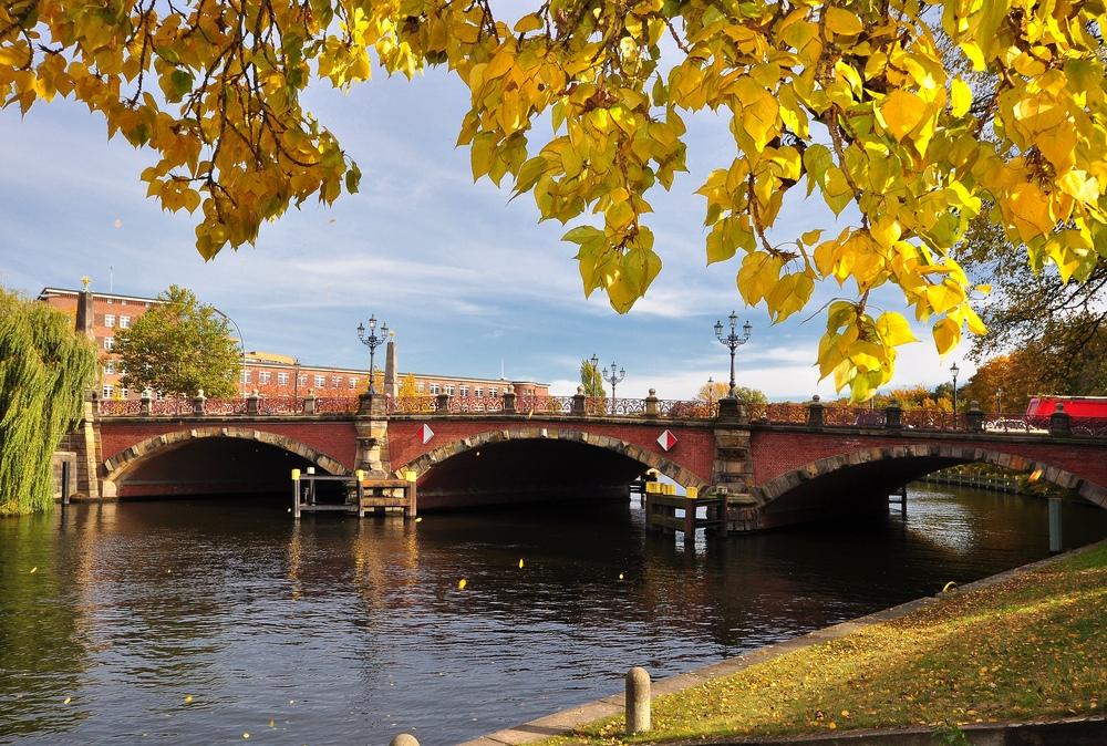 Herbst an der Lutherbrücke.....