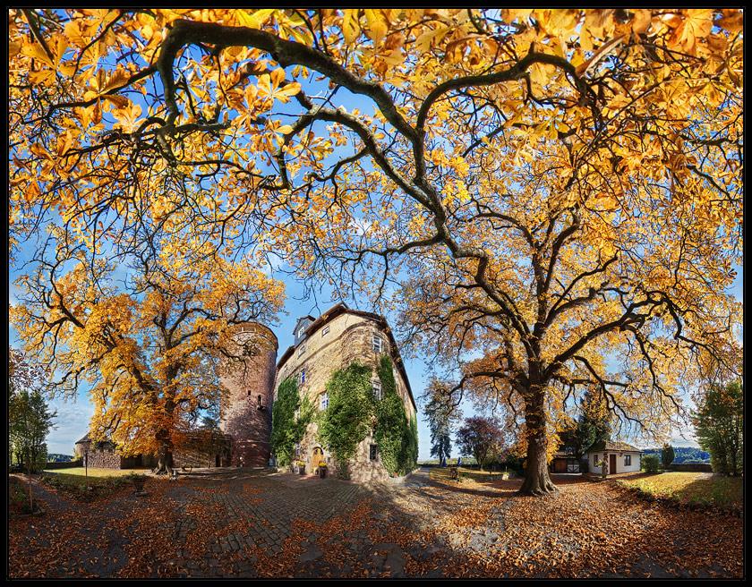Herbst auf der Burg Trendelburg