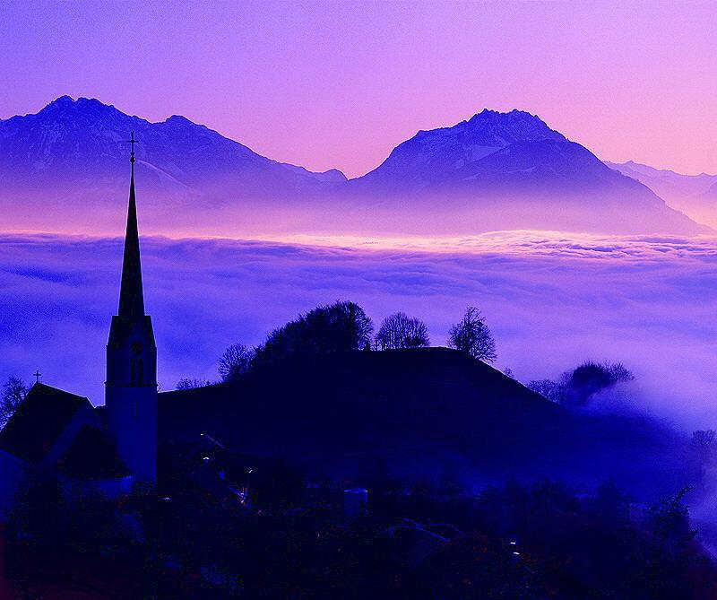 Herbst in Vorarlberg, Blick auf Fraxern und Schweizer Alpen