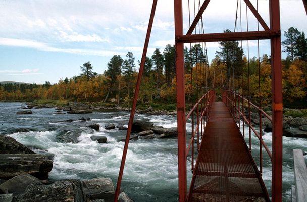 Herbstliche Brücke