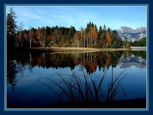Herbstliche Idylle in Blau...