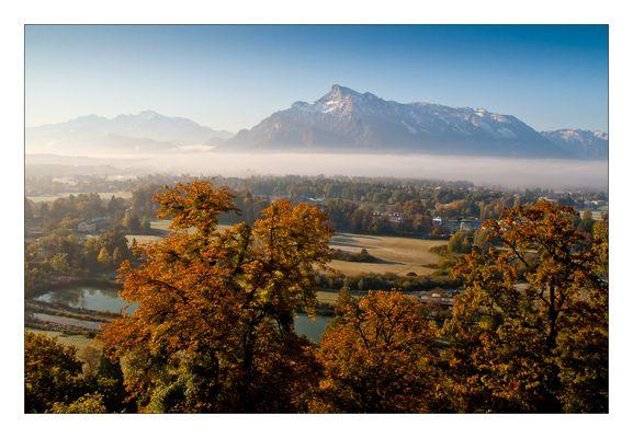 Herbstliche Stimmung mit Blick auf den Untersberg