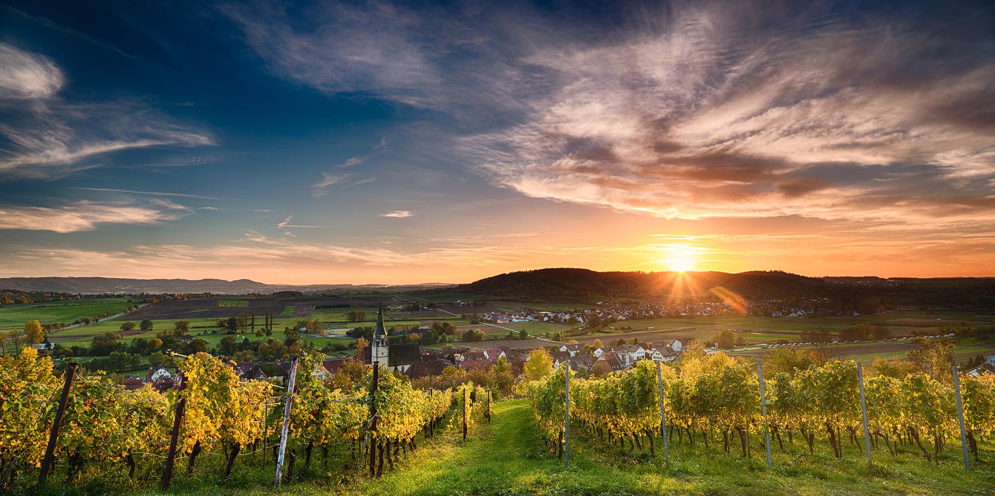 Herbstlicher Sonnenuntergang über Unterjesingen (Tübingen)