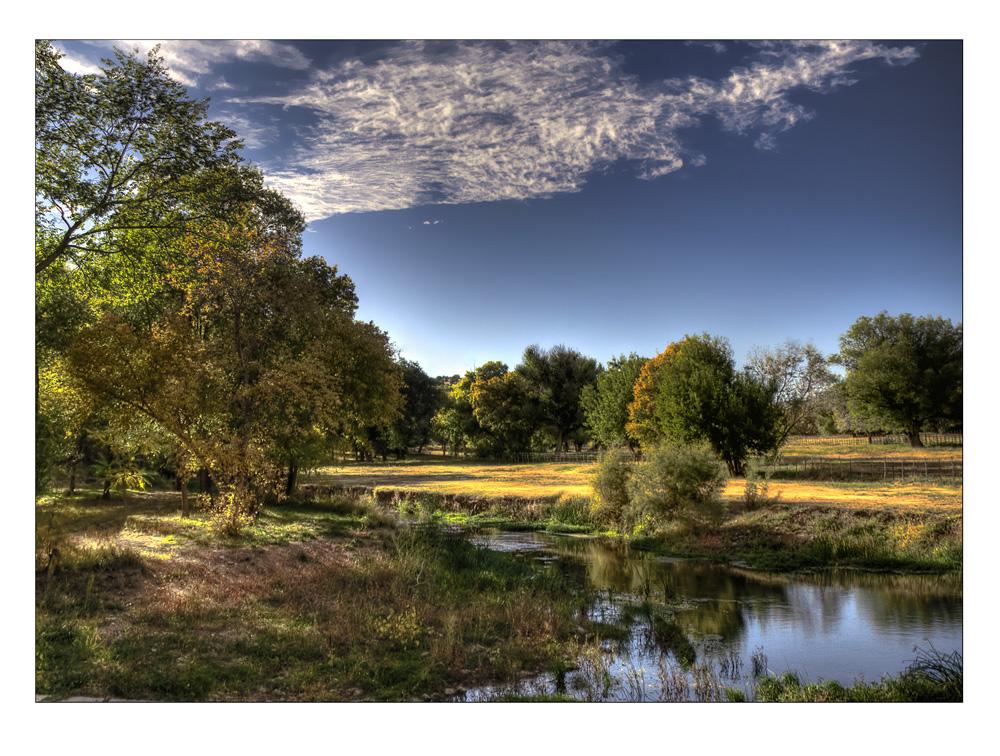 Herbstlicher Spaetnachmittag im Hondo Valley