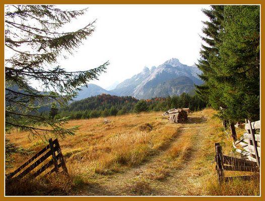 Herbstliches Farbspiel im Karwendel