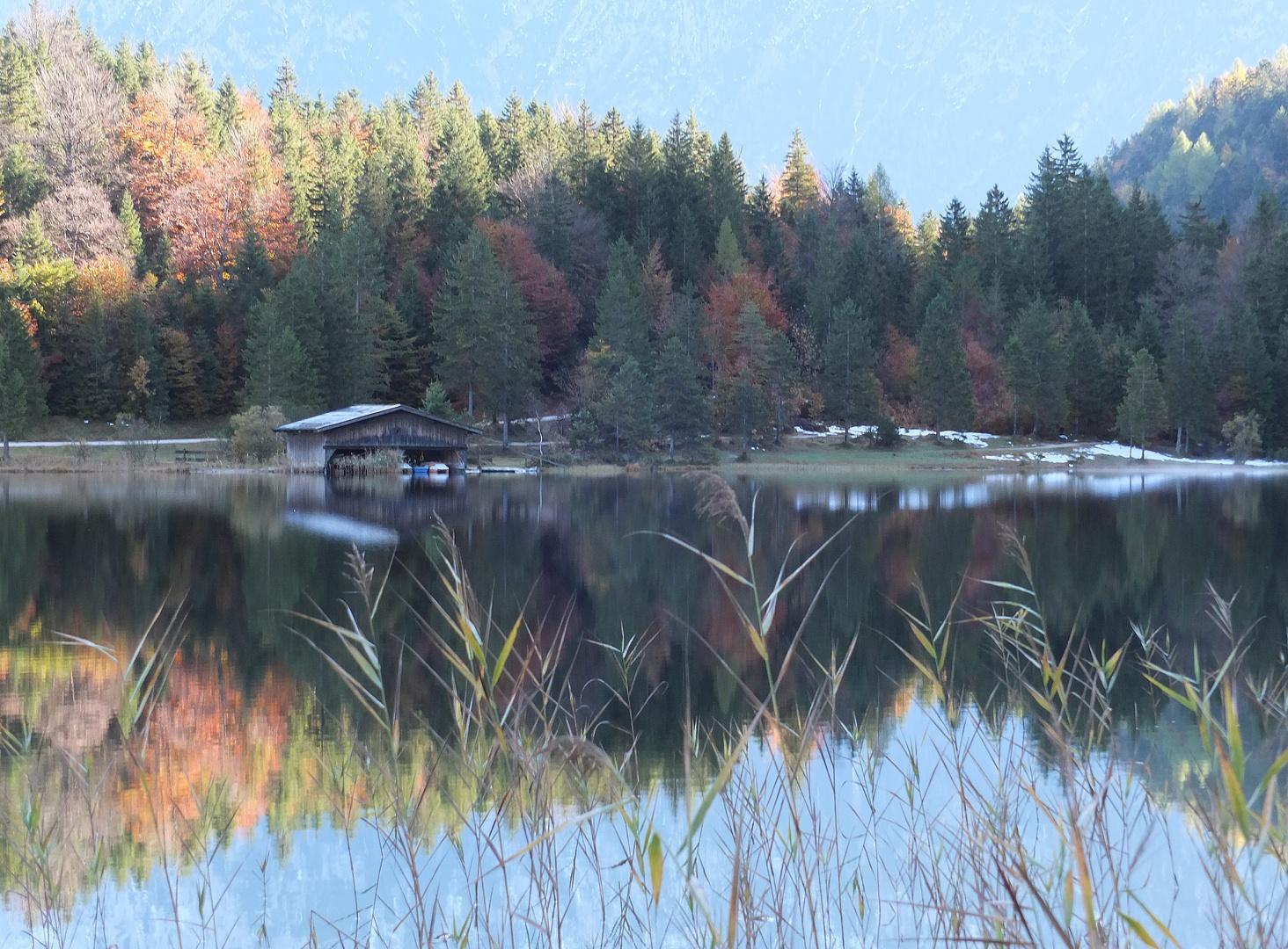 Herbstmorgen am Ferchensee