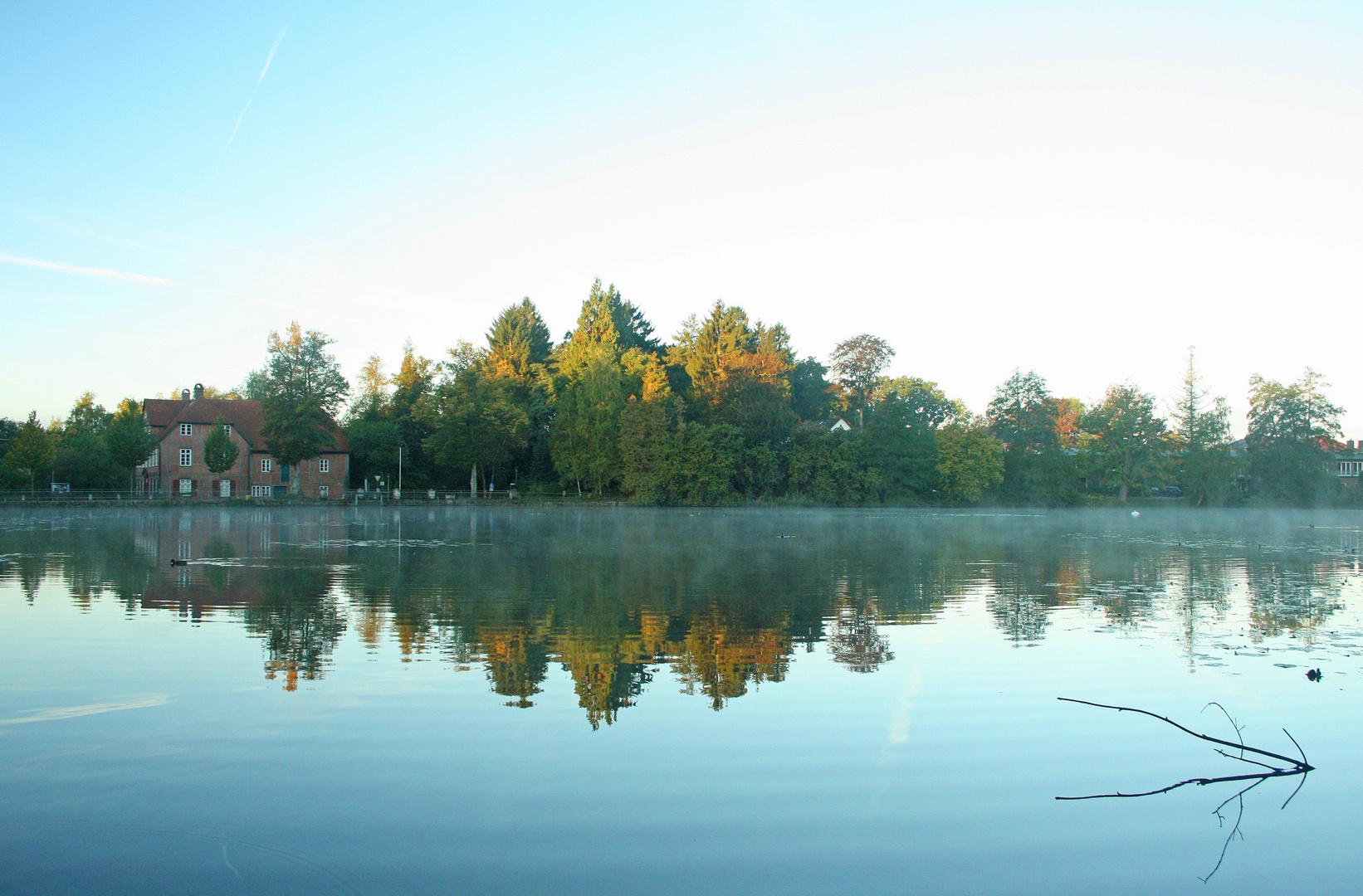 Herbstmorgen an der Wassermühle