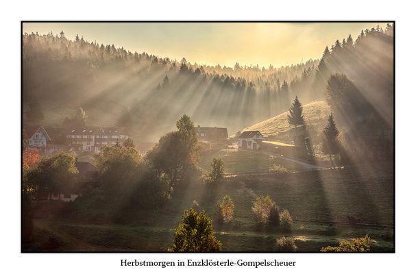 Herbstmorgen in Enzklösterle-Gompelscheuer