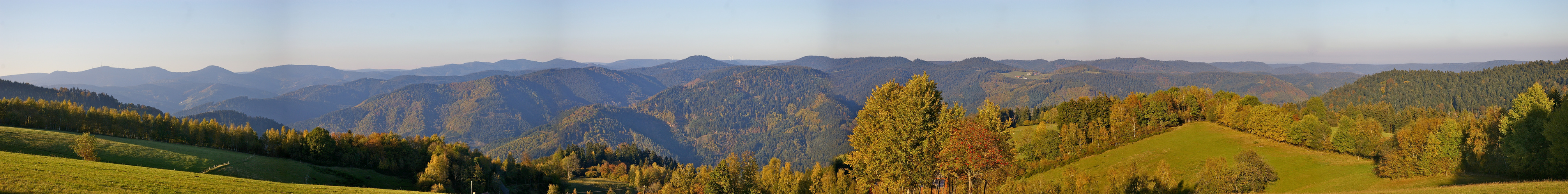 Herbstpanorama über dem mittleren Schwarzwald