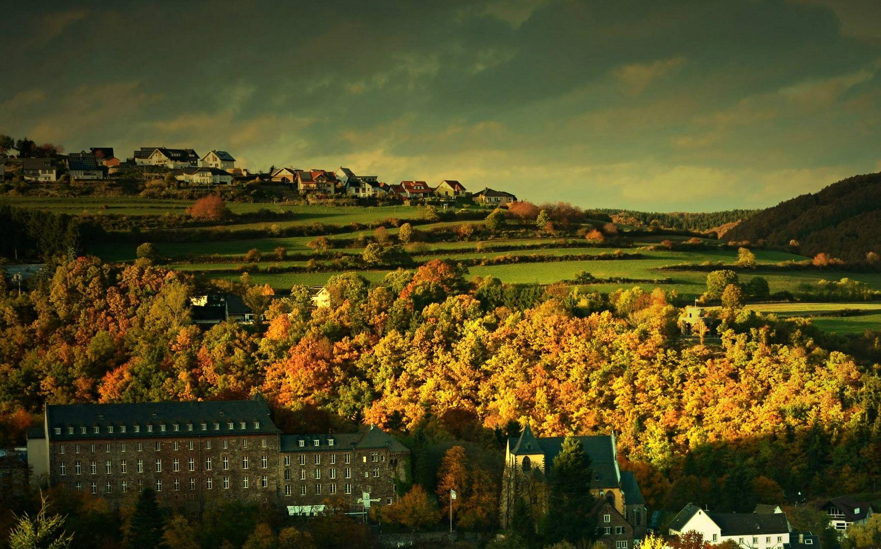Herbststimmung über Schleiden/Eifel