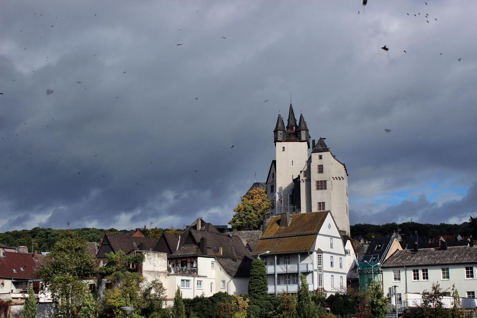 Herbststurm über dem Diezer Schloß