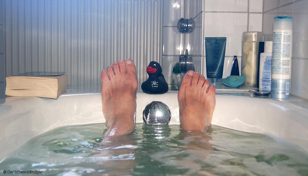 herbstzeit badewanne quitschente ein buch mehr braucht mann nicht ein sch nes. Black Bedroom Furniture Sets. Home Design Ideas