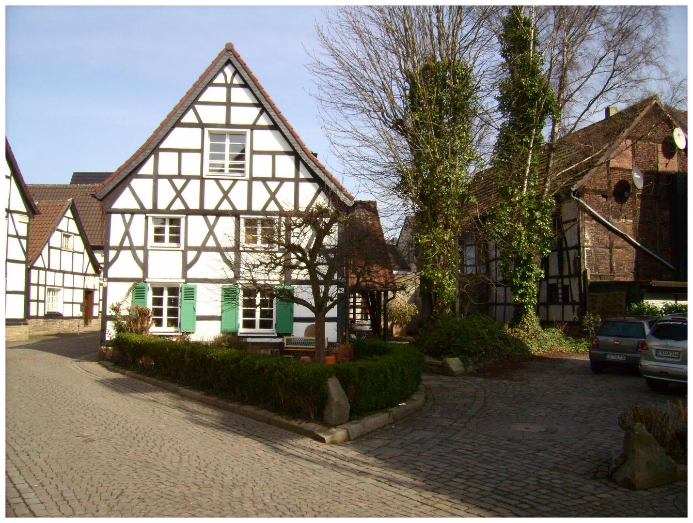 Herdecke, inmitten der Kleinstadt, eine Dorfszene.