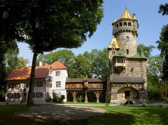 Herkomerhaus mit Mutterturm in Landsberg am Lech.