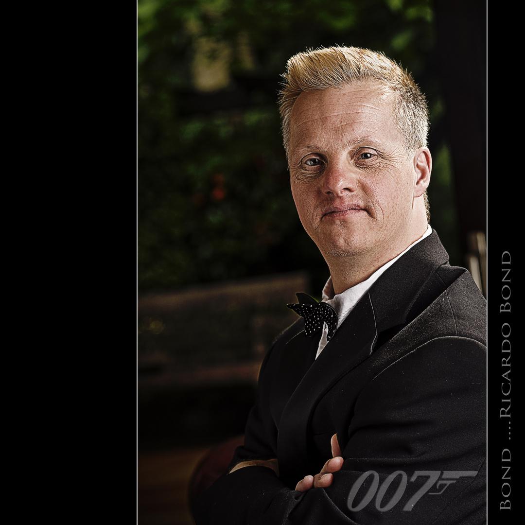 Herr Bond