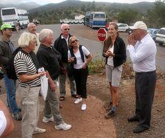 Herr Pfeifer demonstriert die Pfeifsprache auf La Gomera