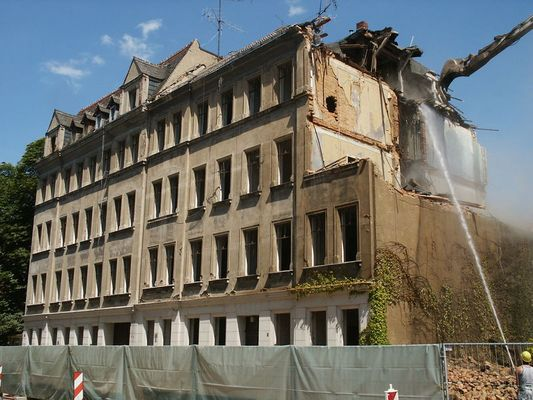 Herr Schlegel reißt seine Gründerzeit-Häuser ab!