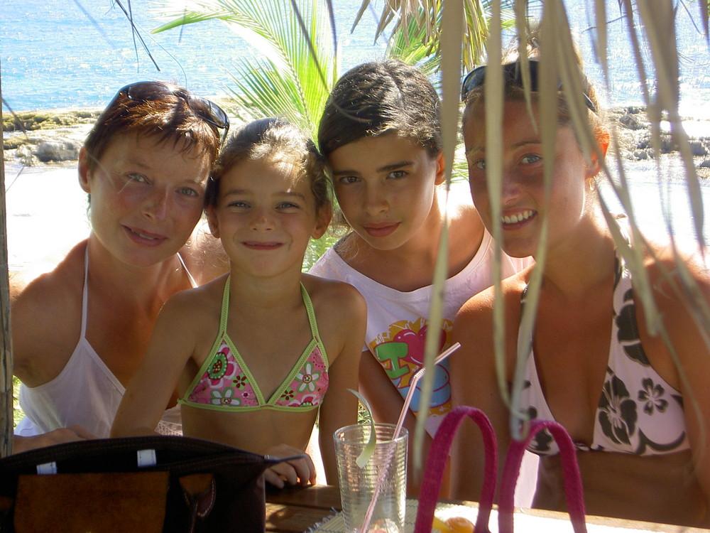 Heureuses d'être en Guadeloupe, forcément....
