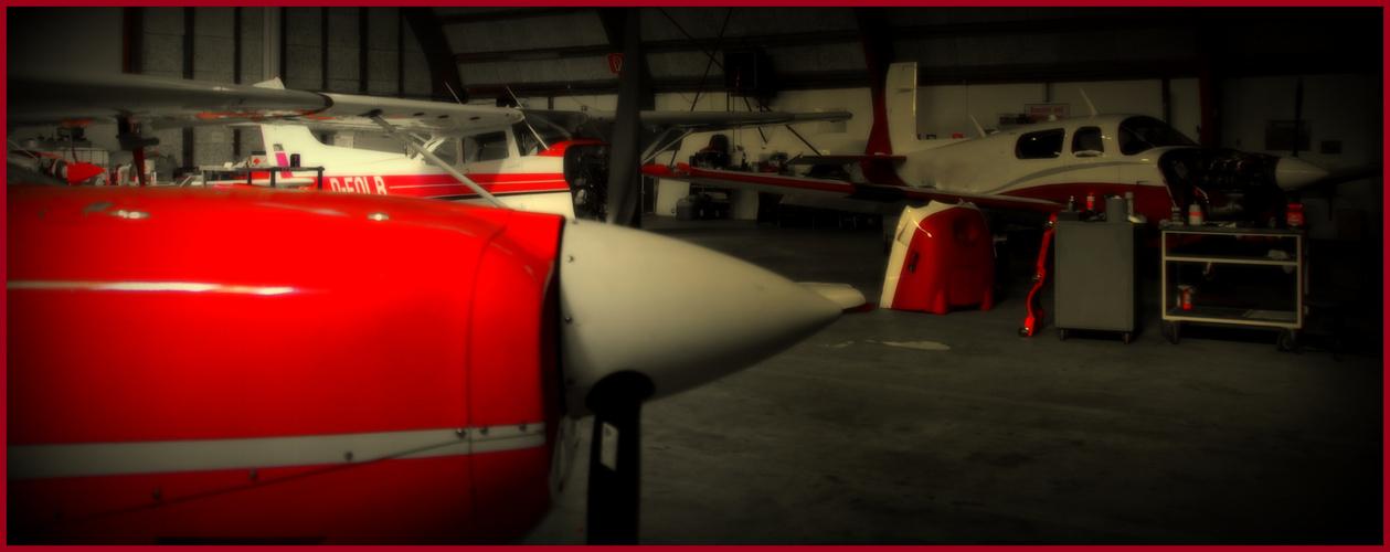 Heute reparieren wir nur rot-weiße Flugzeuge!