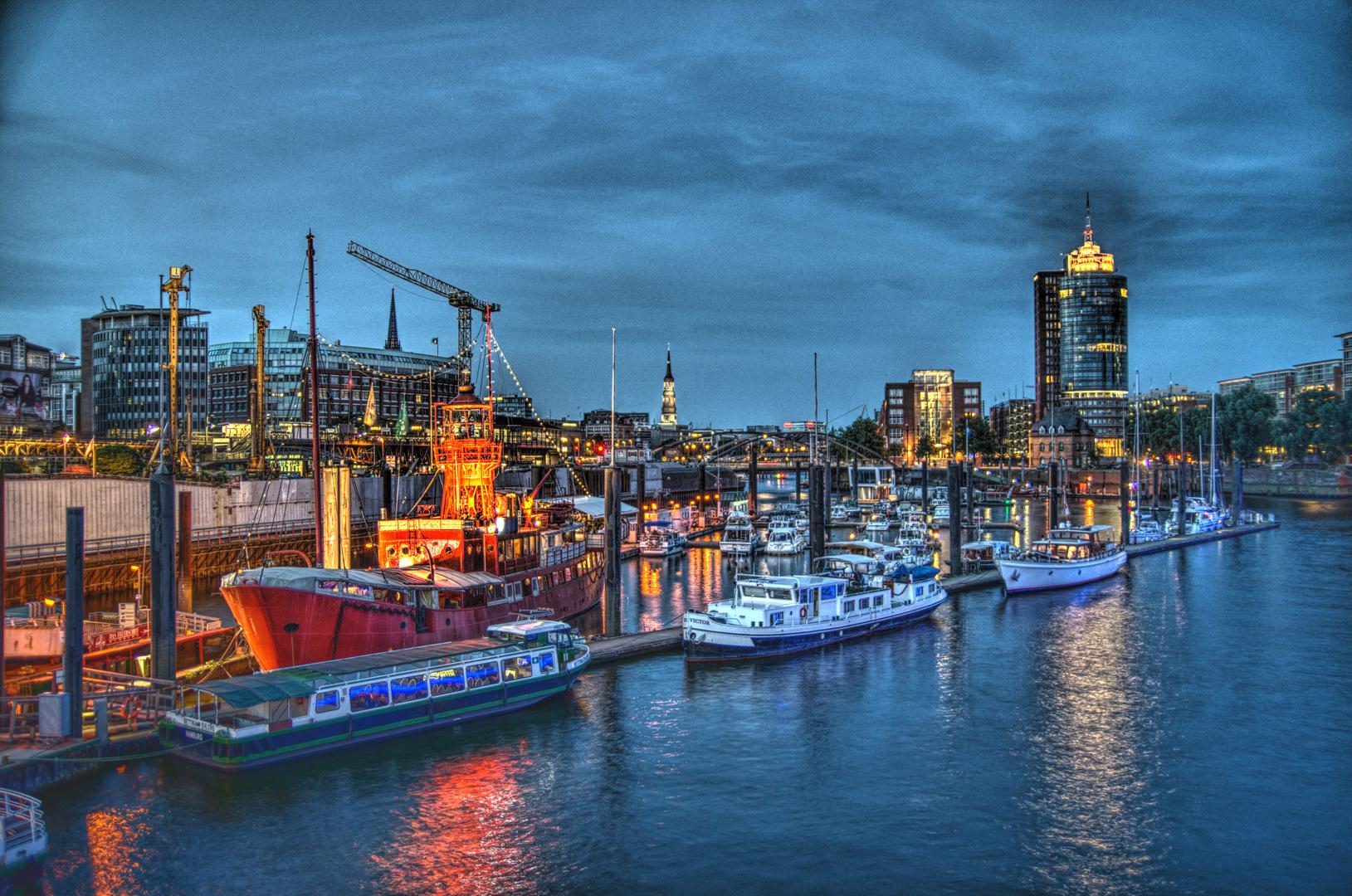 HH - Feuerschiff by night