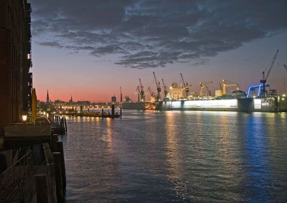HH-Hafen by night