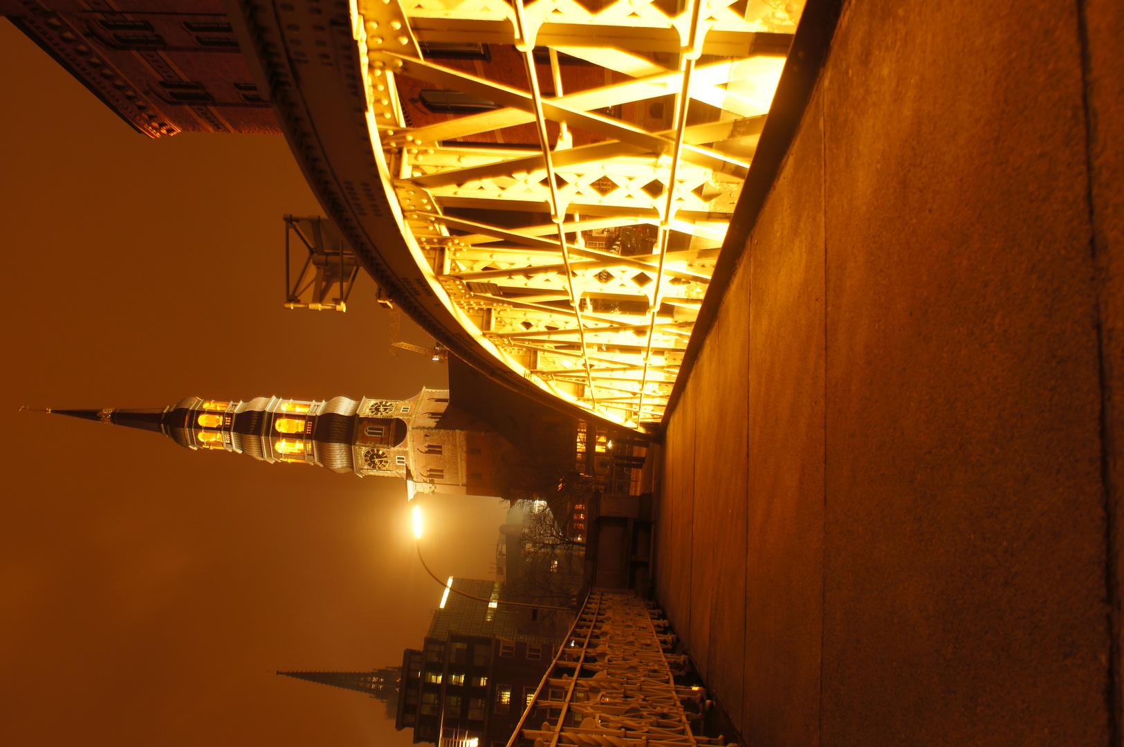 HHer-Katharinenkirche bei Nacht