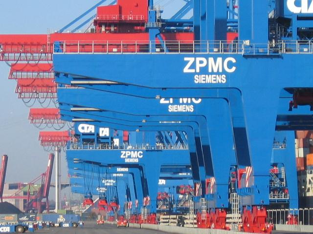 HHLA Container Terminal Altenwerder - Automatismus hoch drei