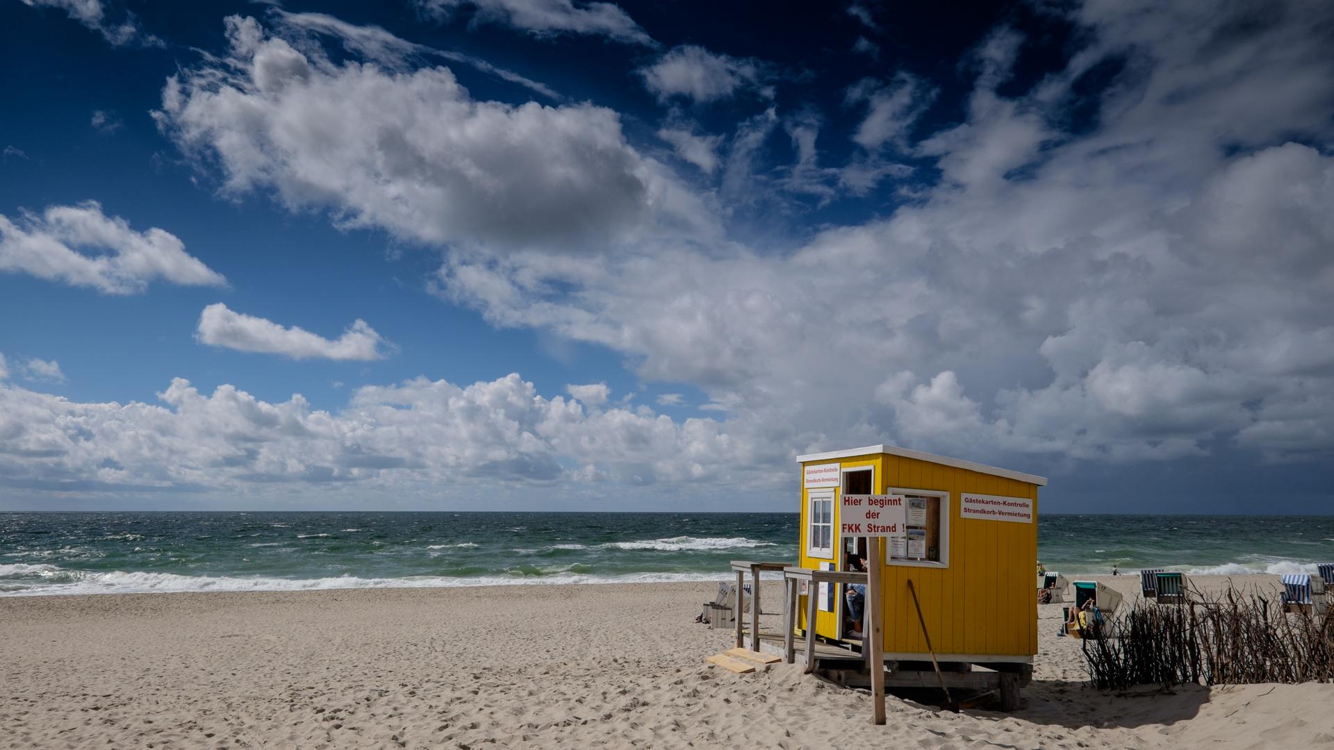 Hier beginnt der FKK-Strand Foto & Bild | world, wolken