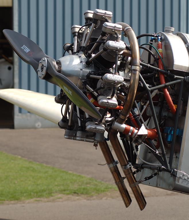 Hier der Sternmotor der Klemm25D