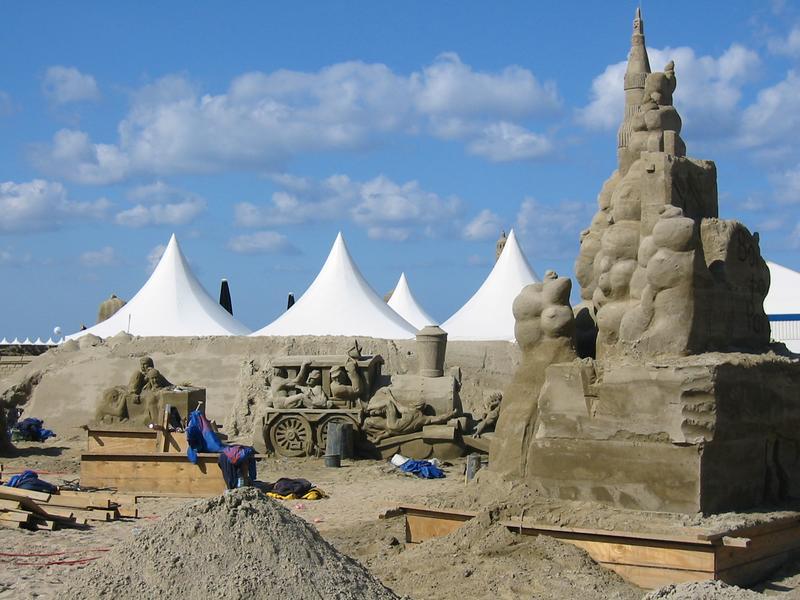 Hier entsheht eine (Sand)Welt Sandworld 2003