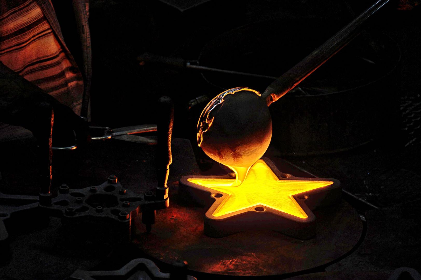 Hier werden die Sterne gemacht / Glasi Hergiswil
