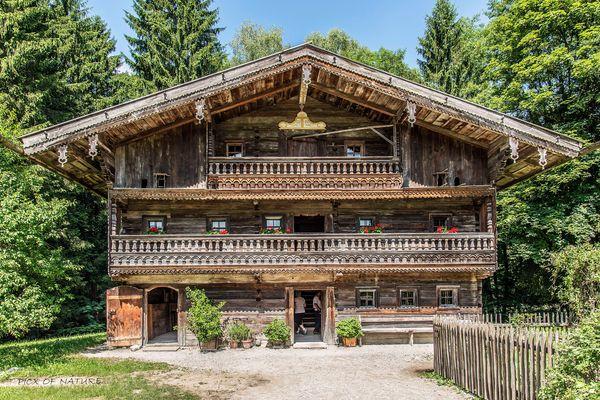 Hiertl-Wohnhaus