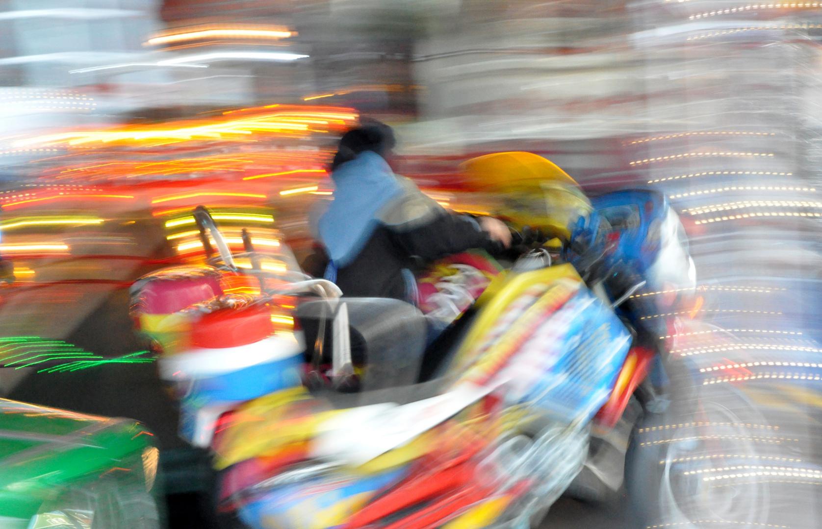 High-Speed auf dem Kinder-Karussell zum Weihnachtsmarkt