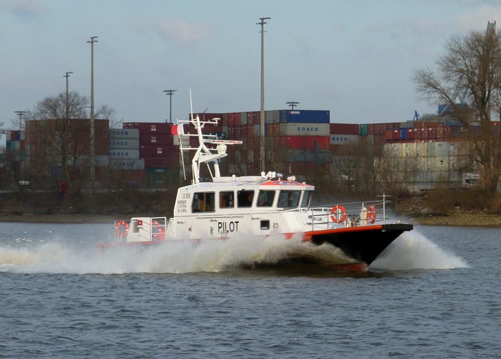 High Speed im Hamburger Hafen.