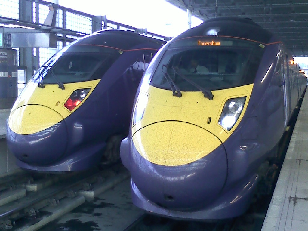 High Speed in London St Pancras vor dem Abfahrt in Richtung Faversham Kent