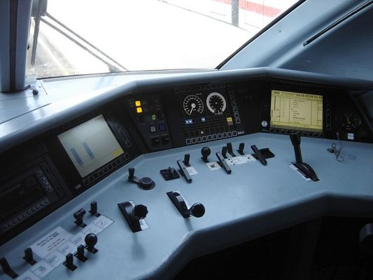 High Tech im ICE 1 Cockpit