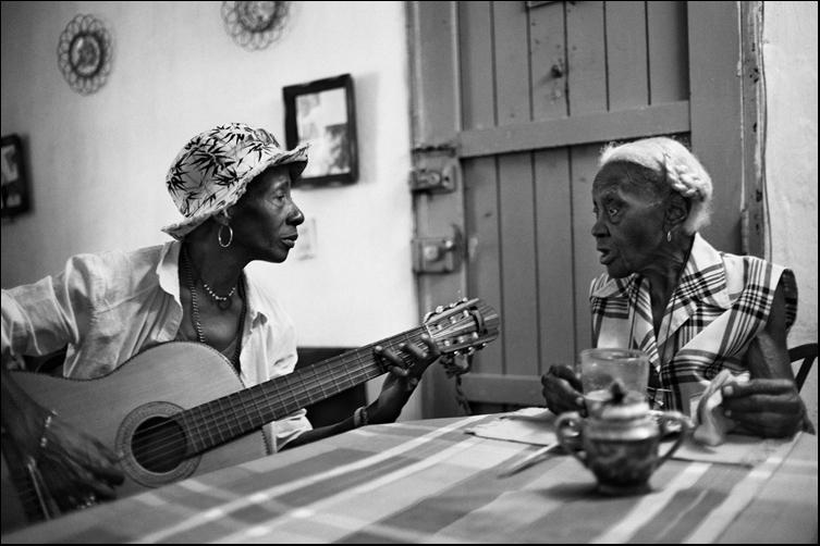 """Hija y Madre II  ( """" mit Licht den Jazz spielen """" )"""