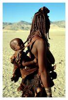 Himbafrau mit Kind