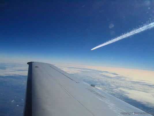 Himmel, Erde, Wolken, Flugzeuge...