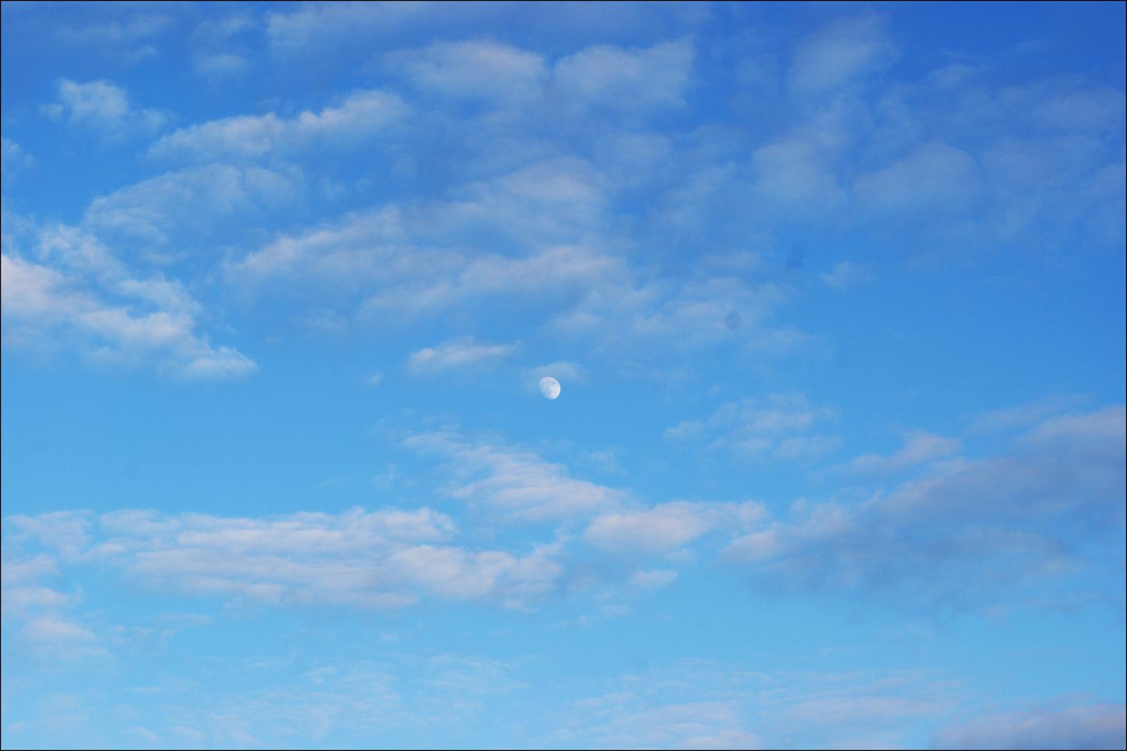 Himmel & Mond .