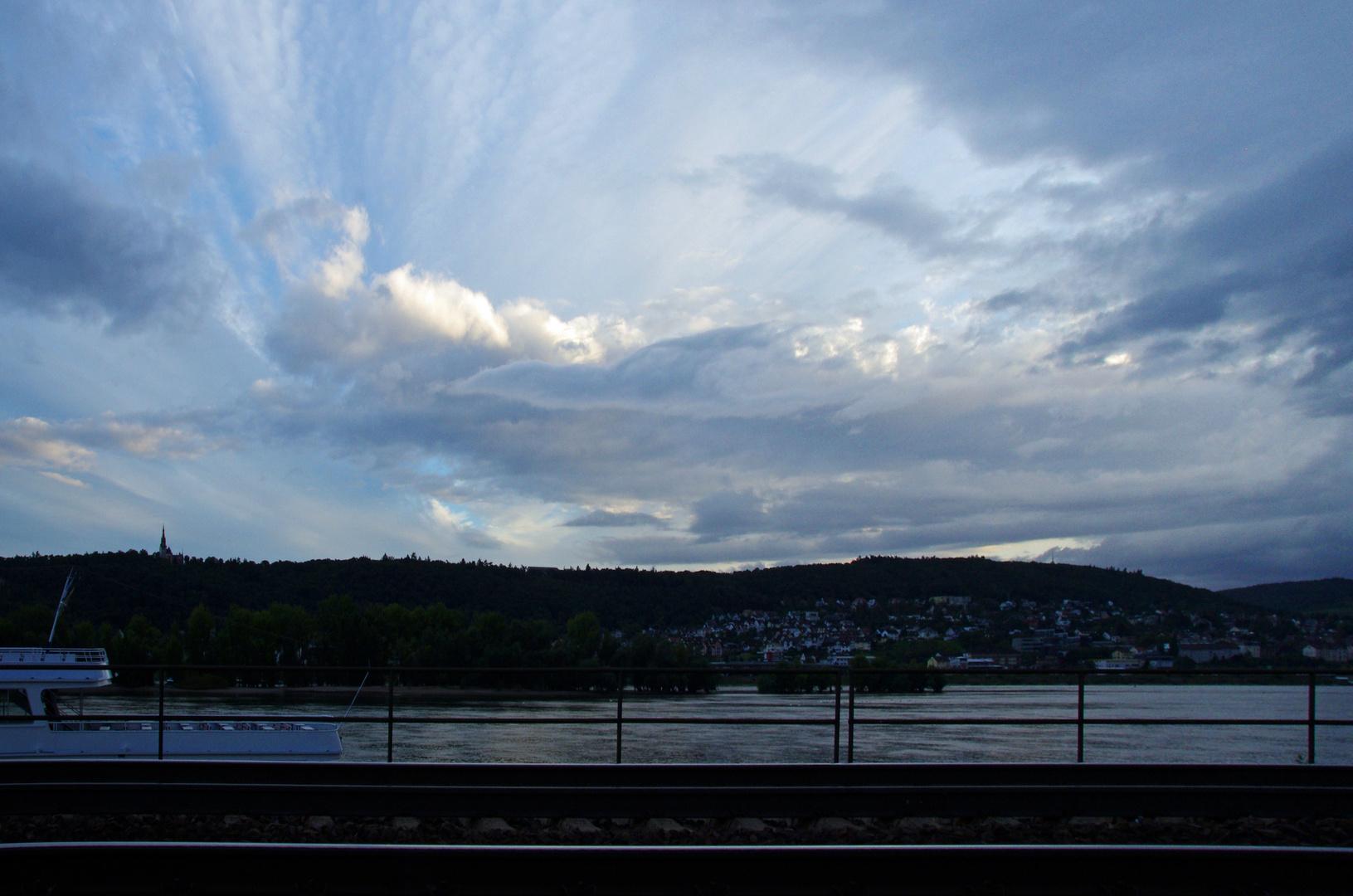 Himmel über Bingen am Rhein