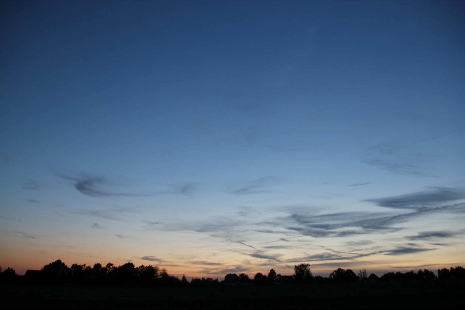 Himmel über den Feldern