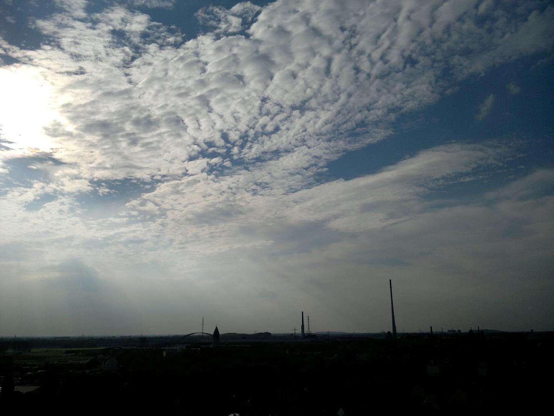 Himmel über Duisburg im Herbst 2012