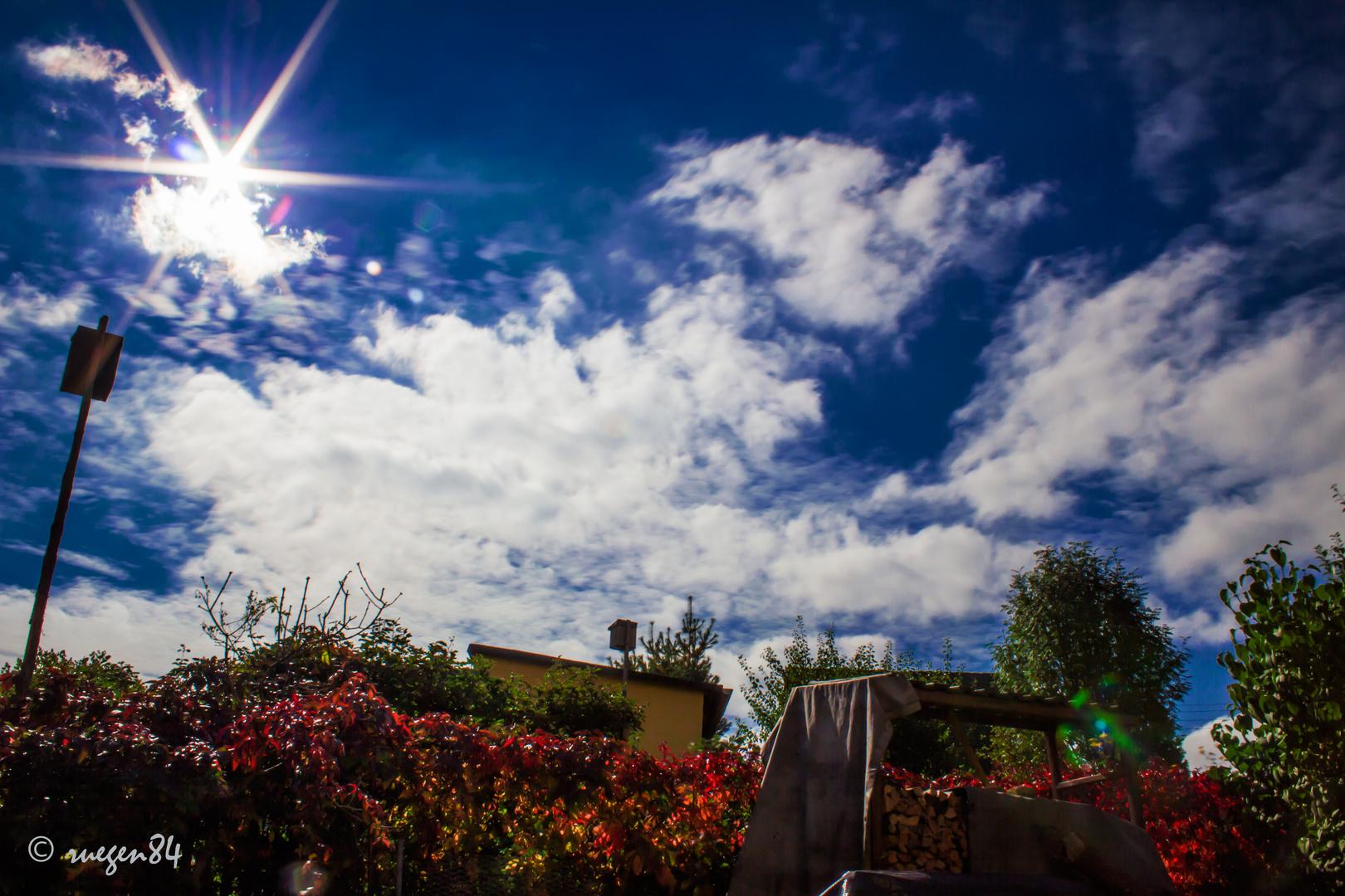 Himmelansicht aus dem Garten